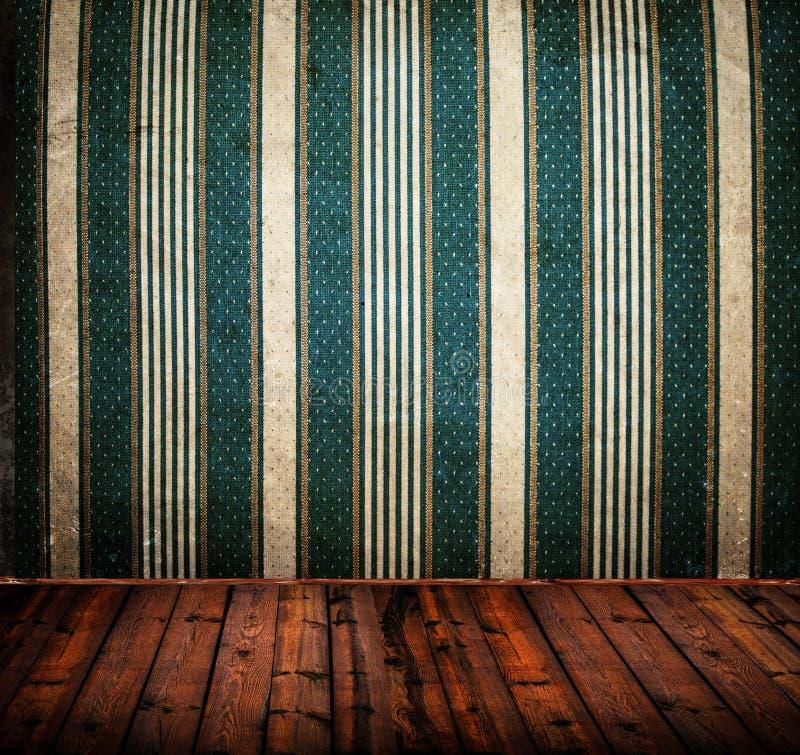 Svuoti la vecchia stanza di lerciume con struttura d'annata della parete del damasco illustrazione di stock
