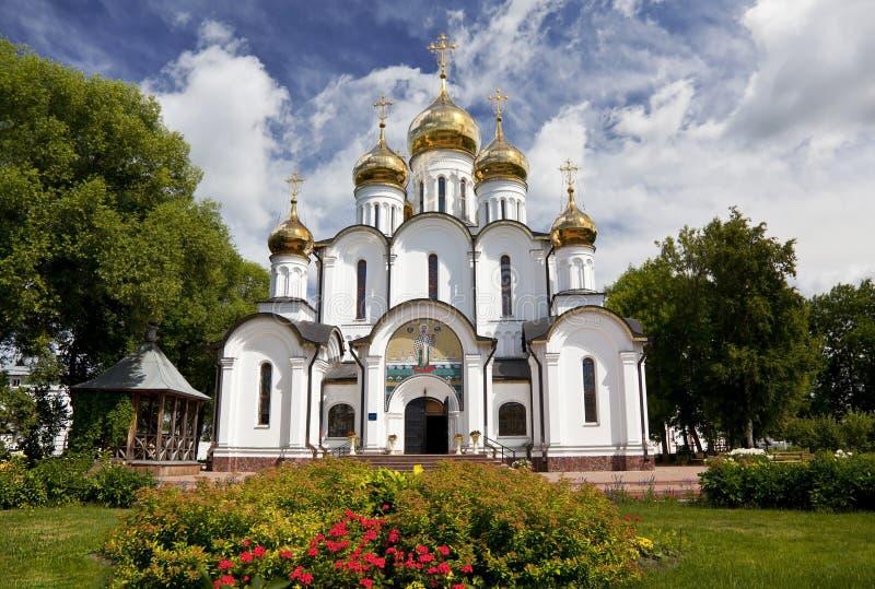 Svyato-Nikolsky nunnekloster. Pereslavl-Zalessky fotografering för bildbyråer