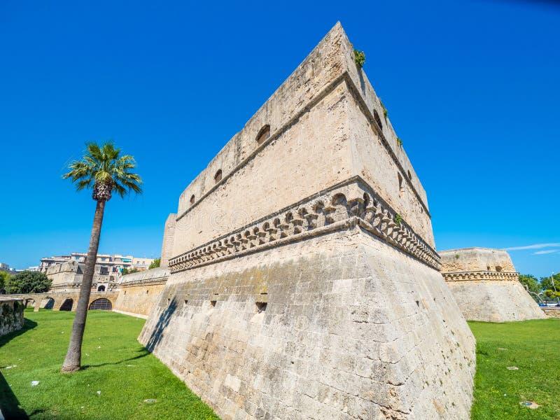 Swabian slott, gammal stad av Bari, Italien arkivfoto