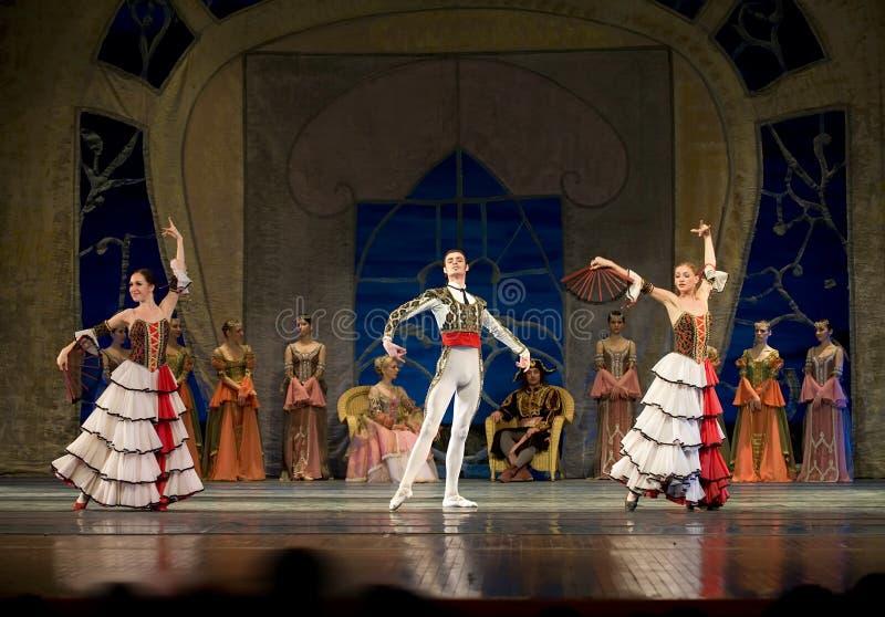 swan för ryss för balettlakeperfome kunglig royaltyfria bilder