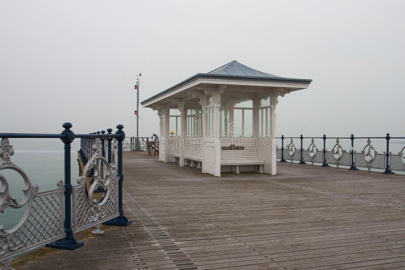 Swanage-Pier im Nebel, Dorset, England stockbilder