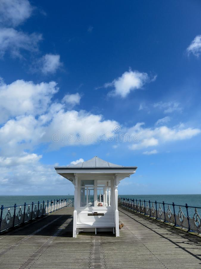 Swanage Pier Shelter fotos de stock royalty free