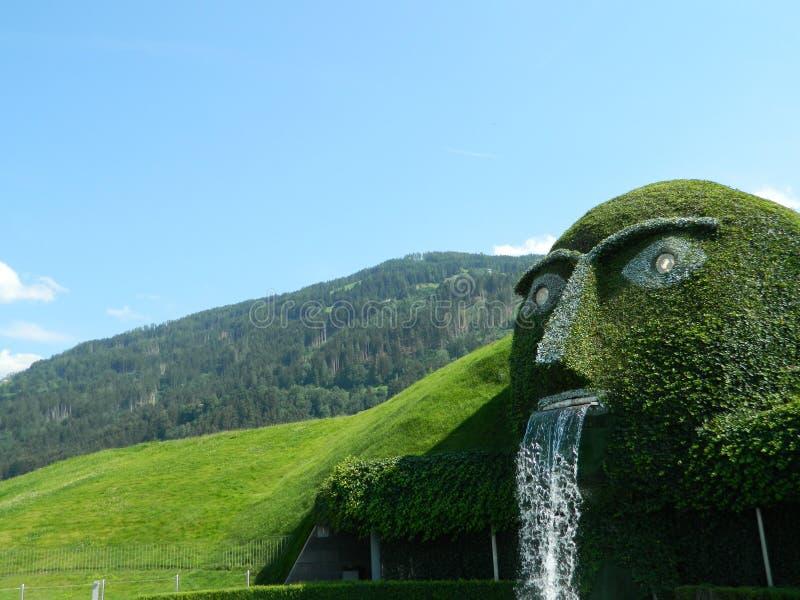 Swarovski grön man av legenden nära Innsbruck, Österrike fotografering för bildbyråer