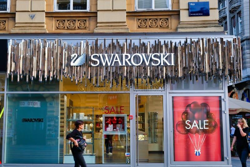 Swarovski shoppar framdelen, Zagreb, Kroatien arkivbilder