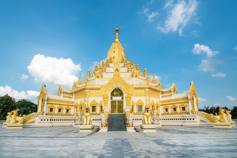 Swe Taw Myat, пагода реликвии зуба Будды (Янгон, Мьянма) стоковые фото