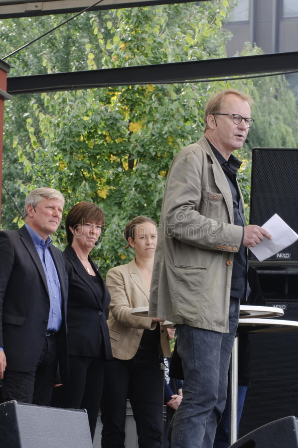 Swedish election campaign. Actor Stellan Skarsgard talking in front of the leaders of the Red-Green Bloc in Kungstradgarden, Stockholm in a last effort to catch stock images