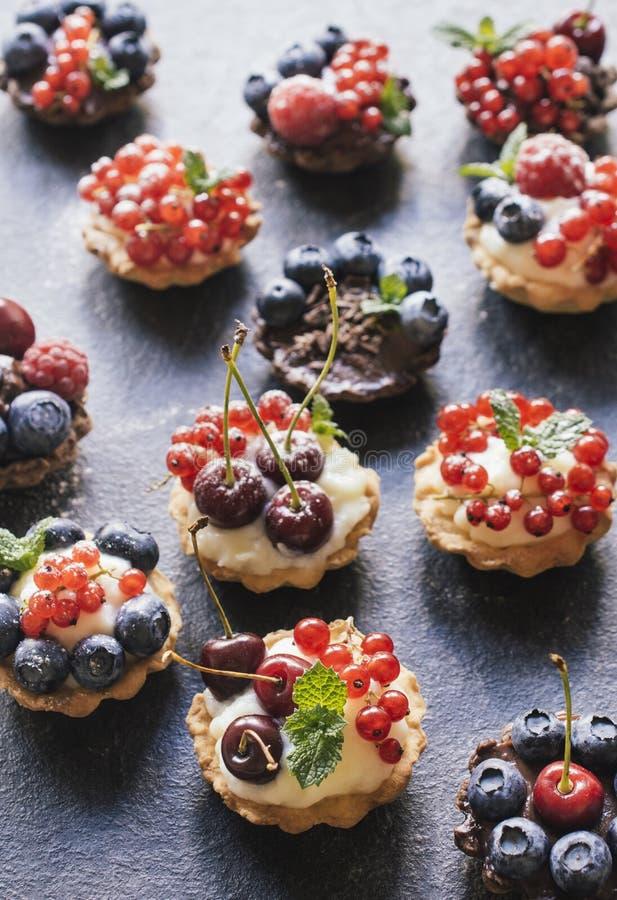 Free Sweet Tarts Cake Stock Image - 56175291