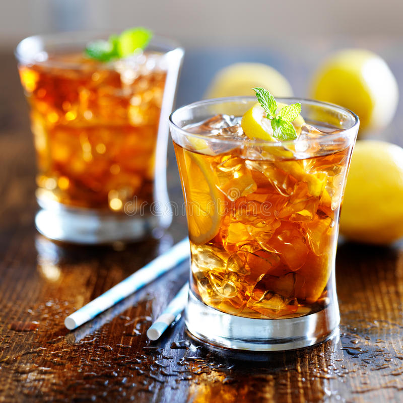 Free Sweet Tea With Lemon Slices And Mint Stock Image - 43241781