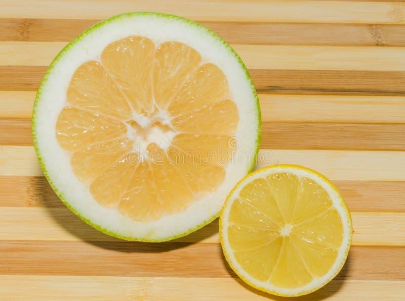 Sweetyfruit en citroen stock foto's