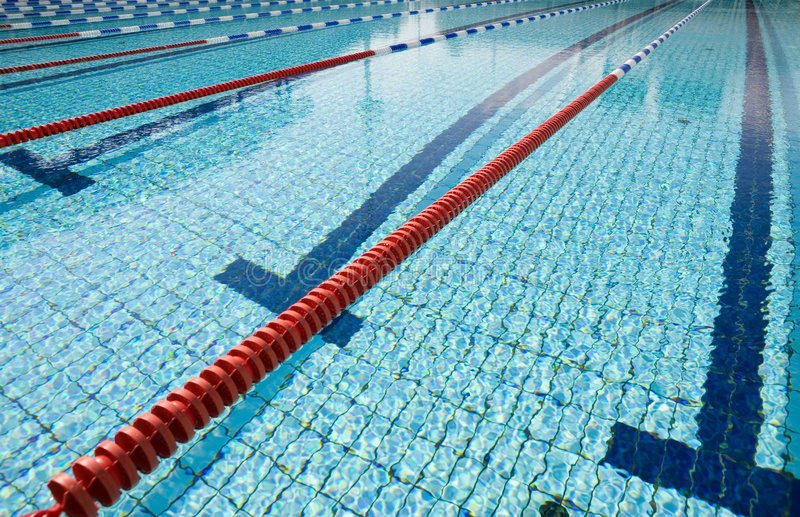 Swimmingpool lizenzfreies stockfoto