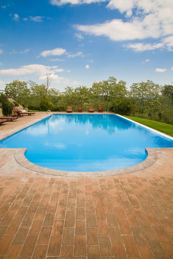 Swimmingpool lizenzfreie stockfotografie