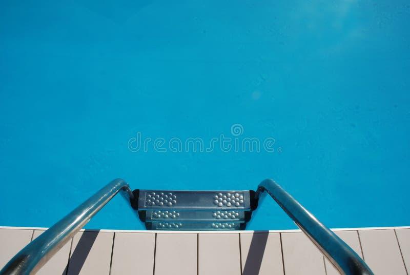 Swimmingpool-Jobstepps stockfotografie