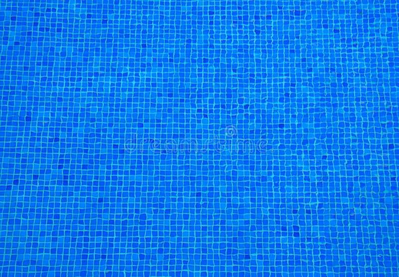Swimmingpool-Mosaikzusammenfassungshintergrund Blau plätschert geometrische Beschaffenheit stockfoto