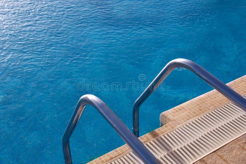 Swimmingpooljobsteps stockbilder