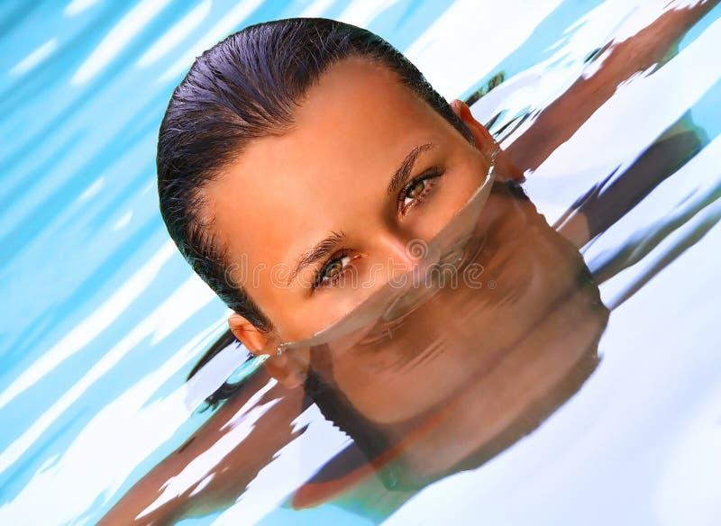 Swimmingpoolporträt lizenzfreies stockfoto