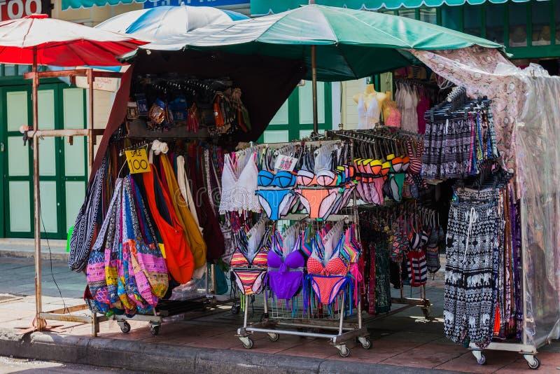 Download Swimwear σε μια αγορά στοκ εικόνες. εικόνα από σχέδιο - 62701602