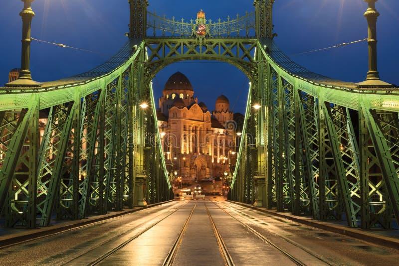 Download Swoboda Most, Gellert Hotel I Skąpanie, Zdjęcie Stock - Obraz złożonej z swoboda, architektury: 106902552