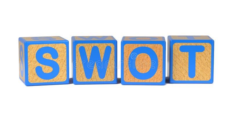 SWOT no bloco do alfabeto das crianças de madeira coloridas fotografia de stock