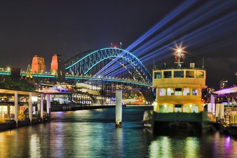 Sy Levendige 17 Circ Ferry Bridge Beams royalty-vrije stock foto