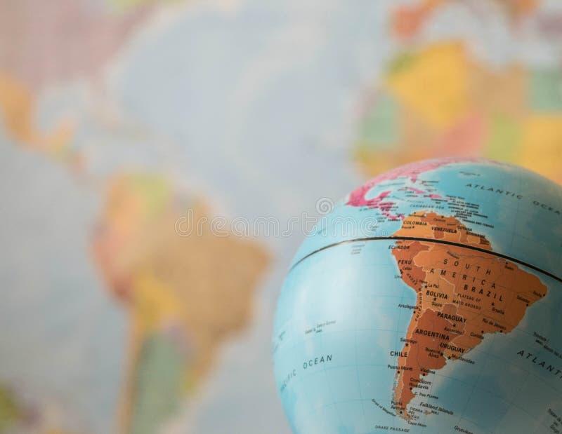 Sydamerika översikt på ett jordklot royaltyfri fotografi