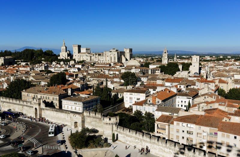 Sydlig Frankrike Avignon antenn med påves slott fotografering för bildbyråer