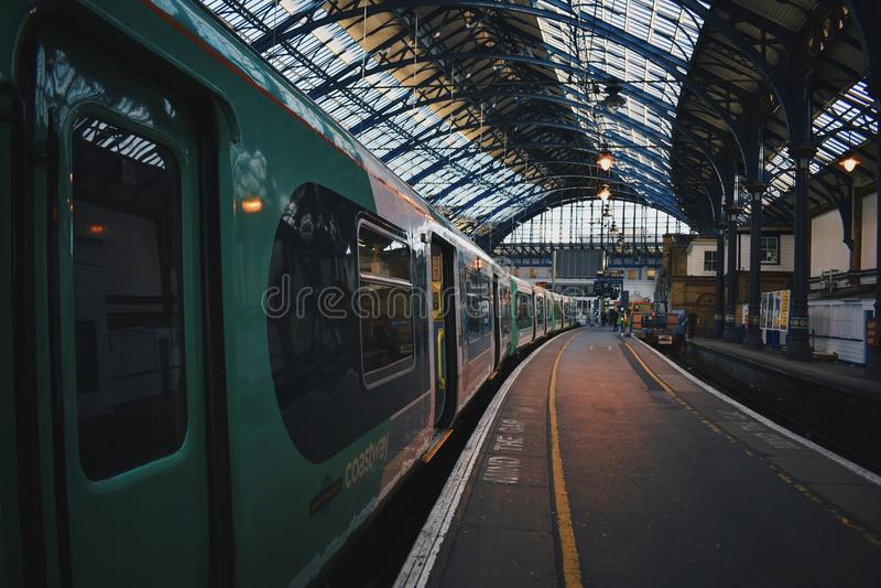 Sydliga järnvägar i Brighton royaltyfria foton