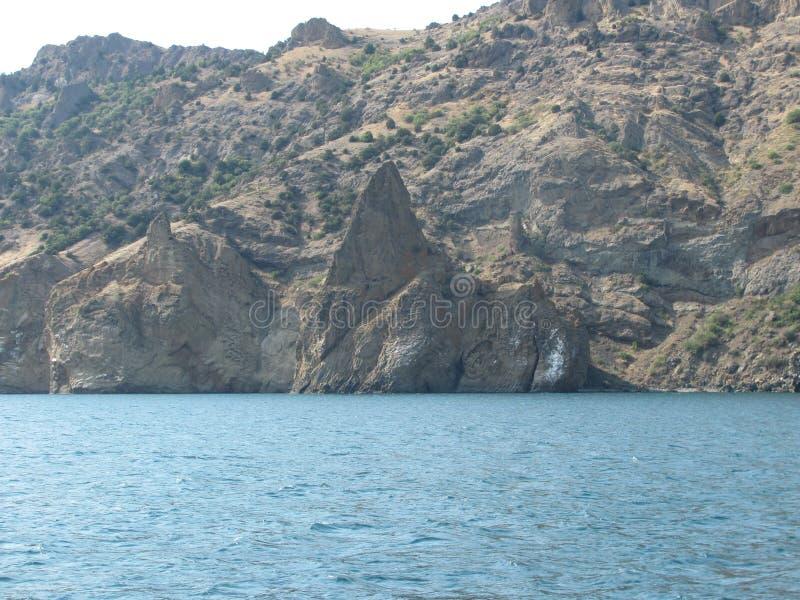 Sydligt segla utmed kusten av Crimea arkivfoton