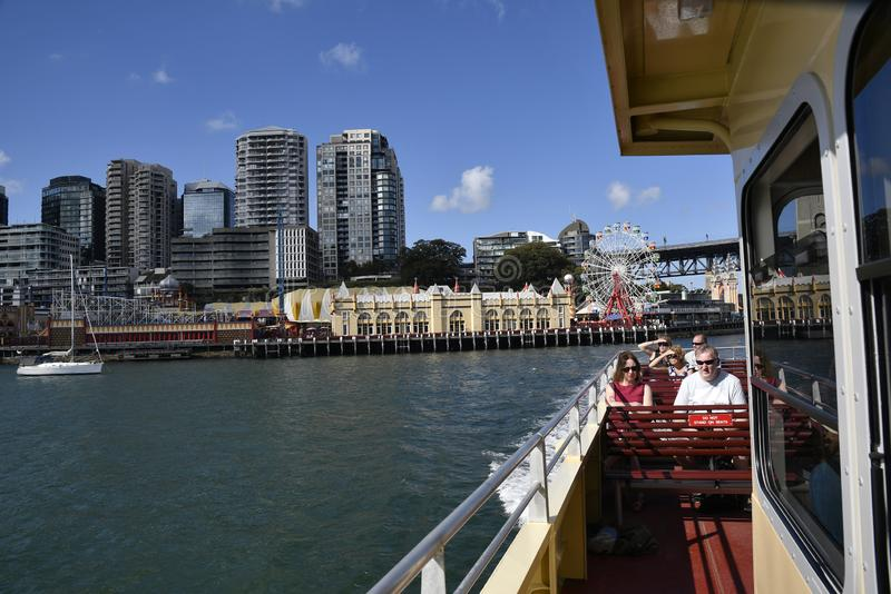 SYDNEY, AUSTRALIË, april 2019, Tourist at Darling Harbour royalty-vrije stock foto