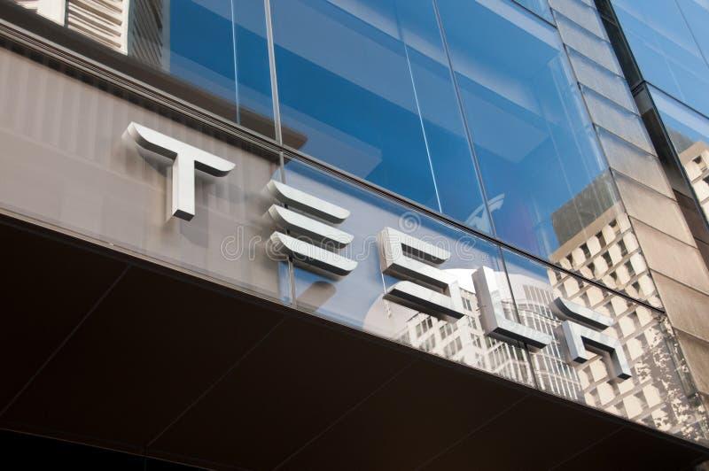 SYDNEY, AUSTRALIË - MEI 5, 2018: De Teslabouw in Martin Place stock afbeeldingen