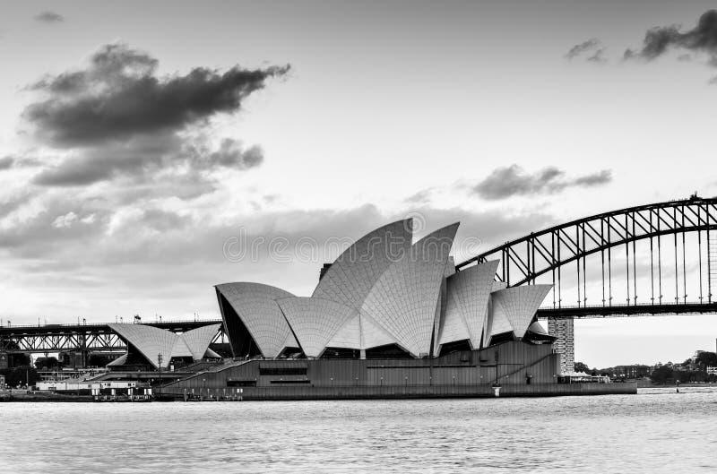 SYDNEY AUSTRALIA - 10 settembre 2015: In bianco e nero di Sydney Oper fotografie stock