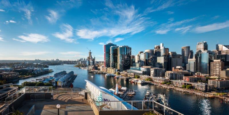 Sydney City y forma Darling Harbour de la opinión panorámica de Barangaroo en Australia imagen de archivo