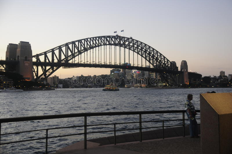 Sydney Harbour Bridge, crepuscolo immagine stock