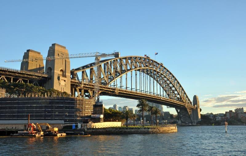 Sydney Harbour Bridge in Vroege Ochtendzonneschijn stock afbeelding