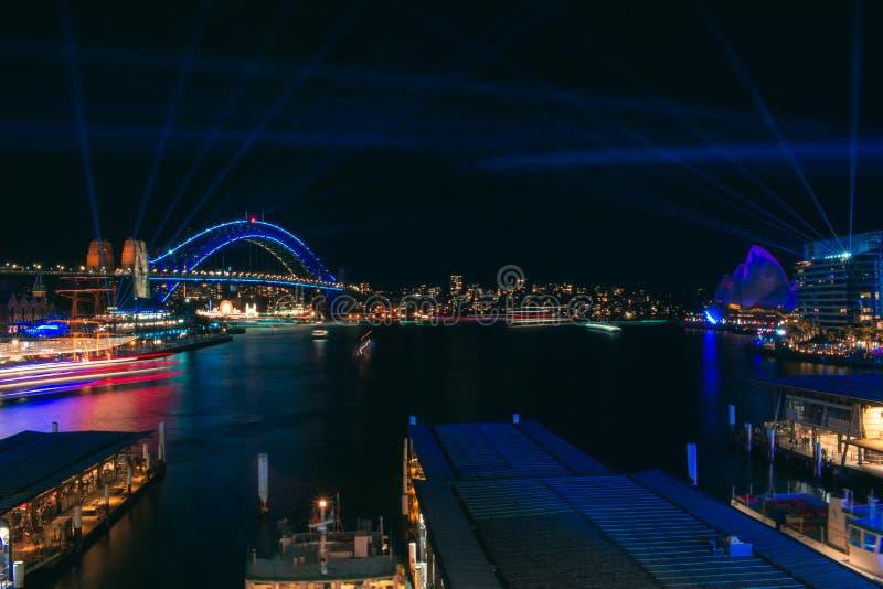 Sydney Harbour durante o festival v?vido 2019 foto de stock royalty free