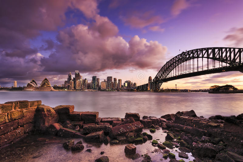 Sydney Milsons 2 strati della parete di pietra fotografie stock
