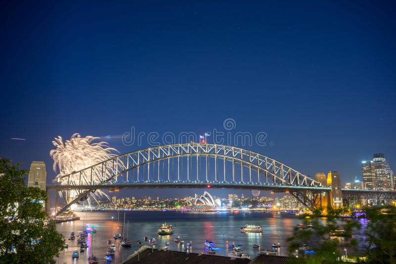 Sydney New Year Eve Fireworks toont stock foto's