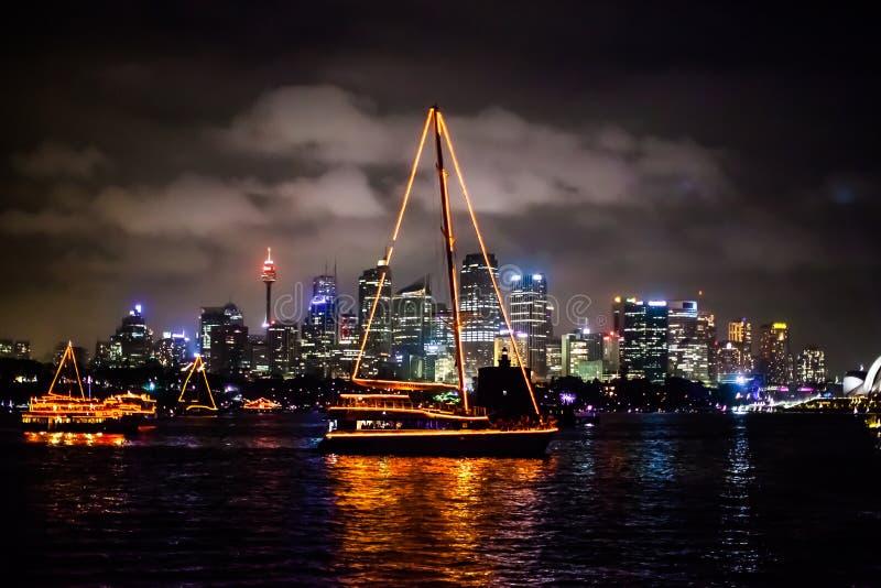 Sydney NYE 2015 barcos e skyline fotografia de stock