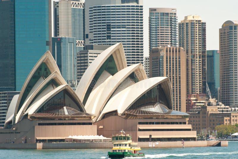 Sydney Opera House avec le ferry photo stock