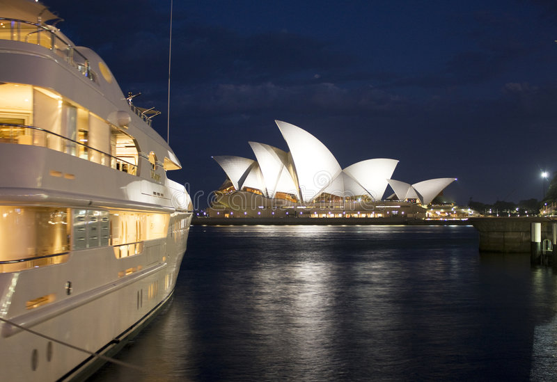 Download Sydney Opera House at Dusk editorial photo. Image of australia - 7950051