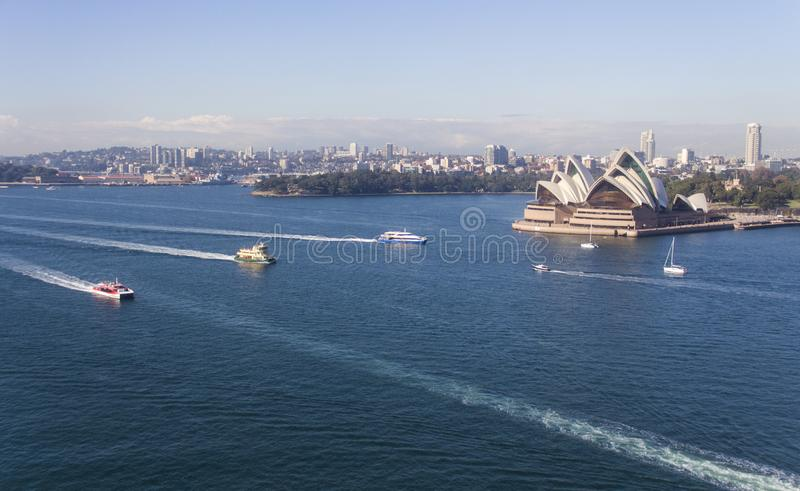 Sydney Opera House e porto ocupados 1 imagem de stock royalty free