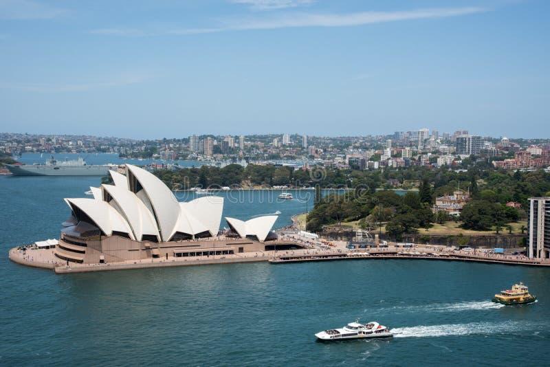 Sydney Opera House en Koninklijke Botanische Tuin stock foto