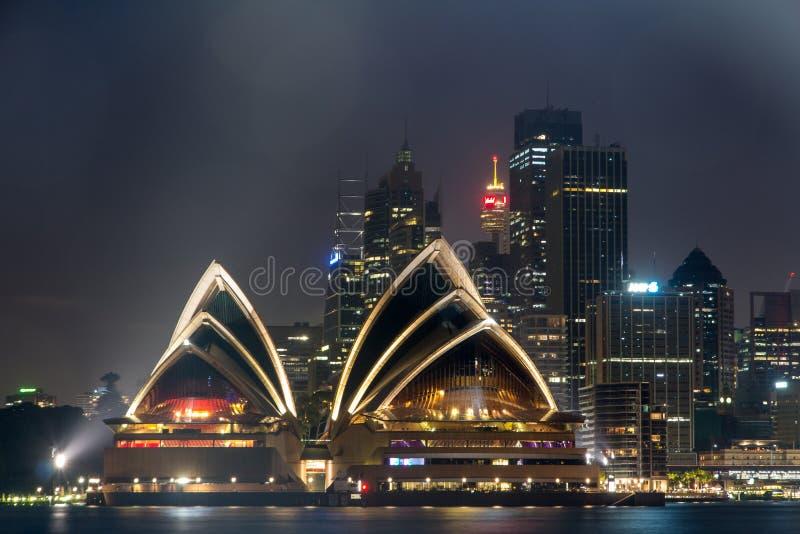 Sydney Opera House la nuit, photographie stock