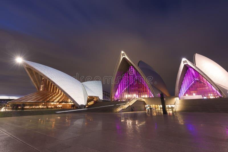 Sydney Opera House la nuit pendant le festival vif photo stock
