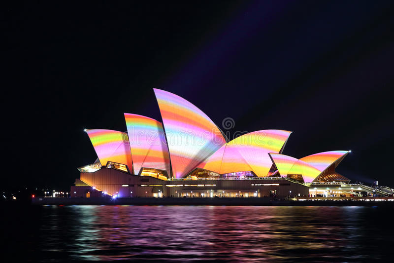 Download Sydney Opera House Vivid Sydney 2016 Editorial Stock Image - Image of event, yellow: 72154354