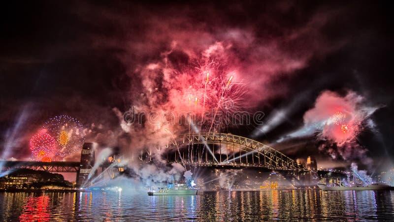 Sydney schronienia mosta fajerwerku pokaz fotografia stock
