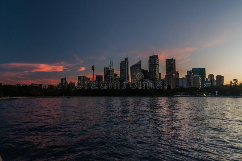 Sydney Skyline At Dusk stock afbeelding