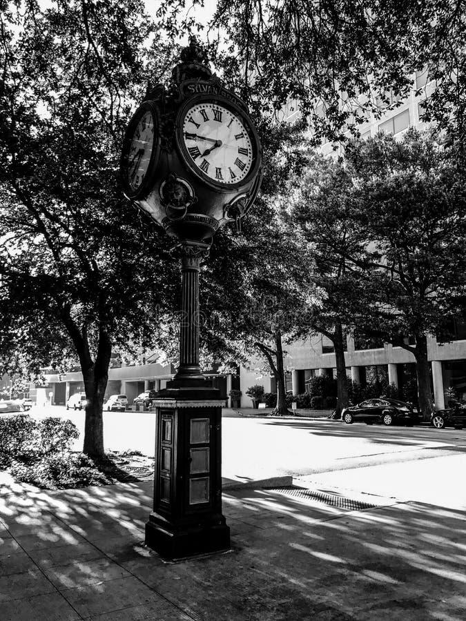 Sylvan Bros Vintage Clock na frente da ourivesaria fotografia de stock