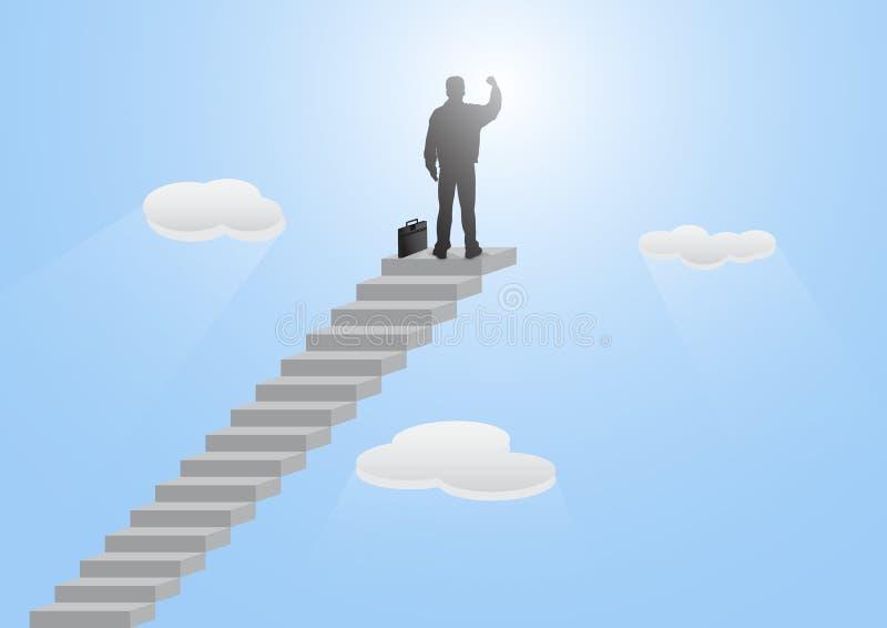 Sylwetka biznesmen pozycja na górze schody z pięścią podnosił w górę niebieskiego nieba tła na zdjęcia royalty free