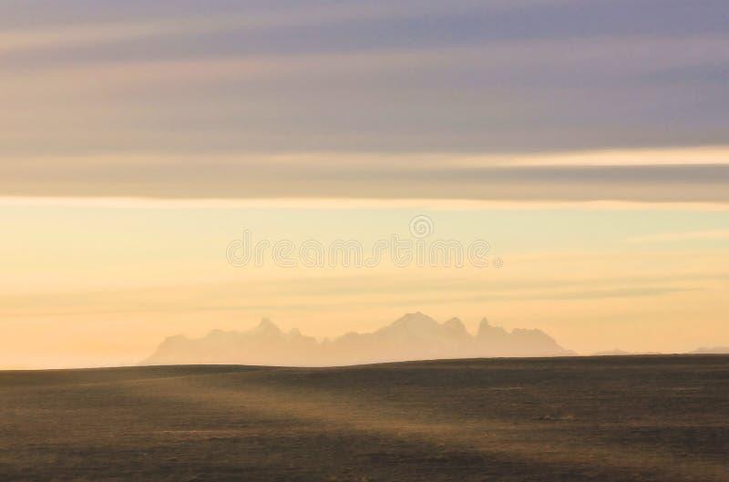 Sylwetka colorfull zmierzch nad patagonia góry obraz stock