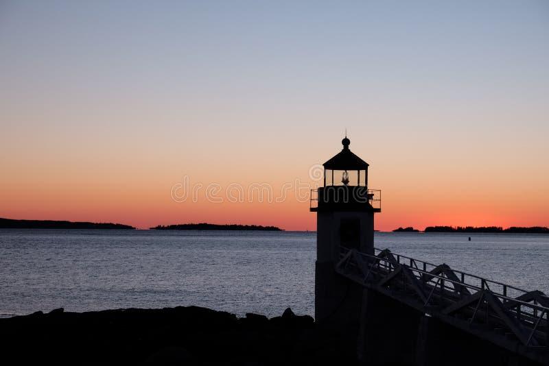 Sylwetka Marshall punktu latarnia morska na zima zmierzchu zdjęcie stock
